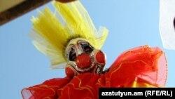 Տիկնիկային միջազգային փառատոնը Դսեղում, արխիվային լուսանկար