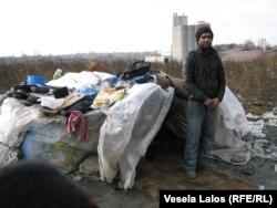 Azilanti iz Pakistana na deponiji