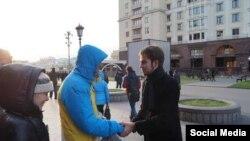 Михаил Конев (справа) – активист ПАРНАС