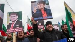 Портреты главы Чечни Рамзана Кадырова, иллюстративное фото