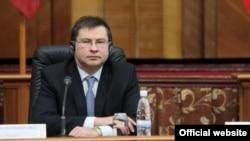 Валдис Домбровскис - уходящий в отставку премьер Латвии, активный сторонник вступления в еврозону