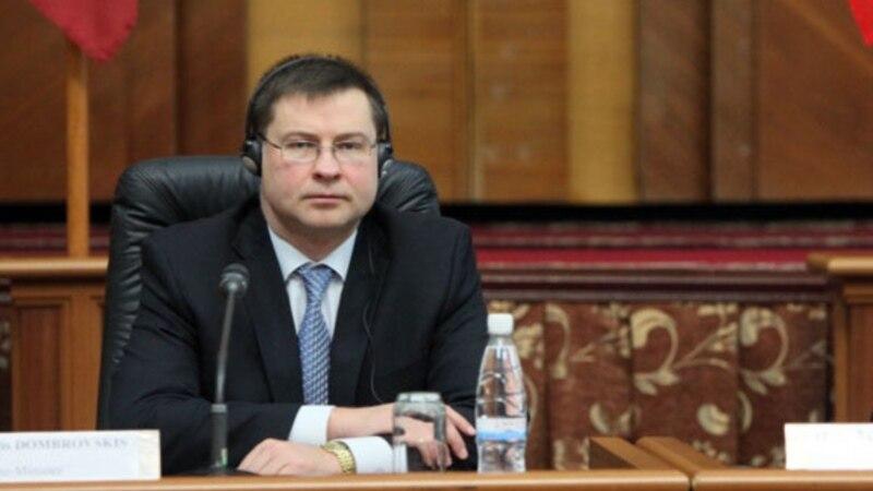 Европската комисија повикува на почитување на шпанскиот устав