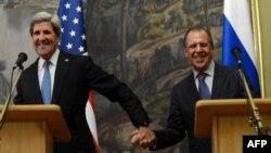 Американскиот државен секретар Џон Кери и рускиот министер за надворешни работи Сергеј Лавров