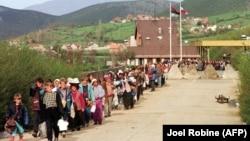 Refugjatë kosovarë, 1999.