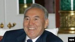 Президент Казахстана Нурсултан Назарбаев. 4 апреля 2006 года.