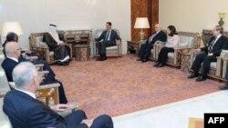 Средба на сирискиот претседател Башар Ал Асад со преговарачкиот тим на Арапската Лига на 26 октомври 2011 година.