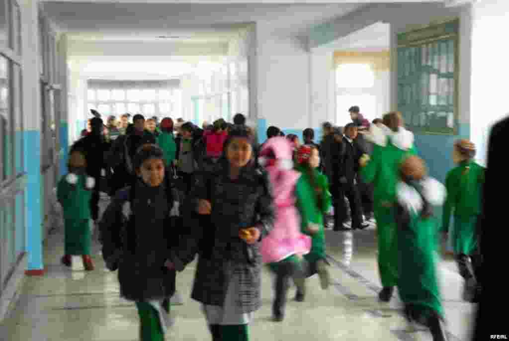 Aşgabatdaky türkmen - rus mekdebi #16
