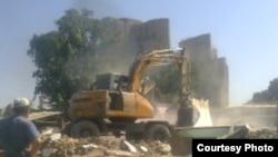 Разрушение дома в Шахрисабзе, архивное фото