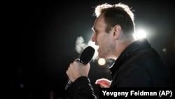 Алексей Навальный на митинге (архивное фото)