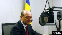Preşedintele Traian Băsescu în cursul interviului acordat Europei Libere