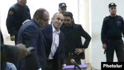 Роберт Кочарян и его адвокаты в Апелляционном уголовном суде, 4 февраля 2020 г.
