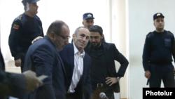 Бывший президент Армении Роберт Кочарян во время судебного заседания, 4 февраля 2020 г.