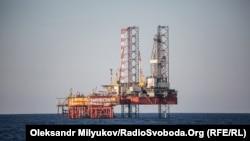 Работа на истощение: Россия зарабатывает на захваченном «Черноморнефтегазе»?