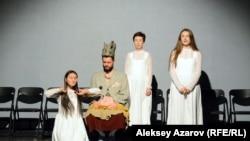 Постановка «Три девицы под окном, маг-король и принц с конем». Алматы, 5 сентября 2019 года.
