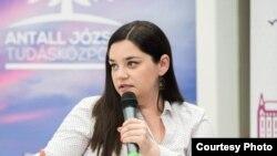 Антоанета Иванова, Основач на Европската младинска асоцијација за едукација Младиинфо Интернационал ( www.mladiinfo.eu)
