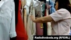 Вечірні сукні та костюми в луганському магазині