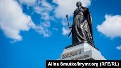 Памятник Екатерине II в Симферополе. Иллюстрационное фото