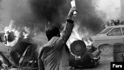 ساعت ششم - آیا انقلاب اجتنابناپذیر بود؟
