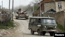 Talış kəndində erməni tankı. 6 aprel 2016