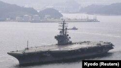 Aeroplanbartësi amerikan USS Ronald Reagan