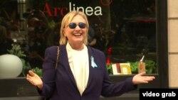 هیلاری کلینتون بامداد پنجشنبه در آغاز بازگشت به فعالیتهای انتخاباتی در نیویورک، حال خود را بسیار رضایتبخش توصیف کرد.