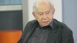 Comentatorul politic TV și scriitorul Paul Lendvai la Tîrgul Internațional de Carte de la Frankfurt