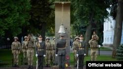 Меморіальні заходи поблизу будівлі Міністерства оборони України, 29 серпня 2021 року