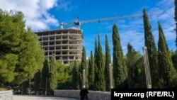 Будівництво в Фороському парку, 2 березня 2021 року