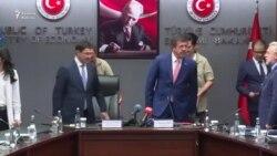 Türkiyəli nazir öz sələfini rüşvət ittihamından müdafiə etdi