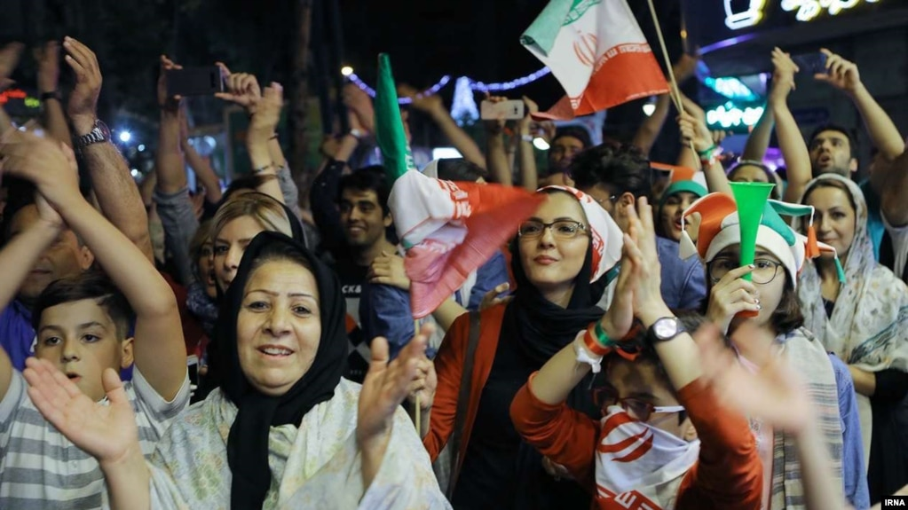 فیفا: برای شعار حمایت از حضور زنان ایرانی در ورزشگاهها مجوز صادر کردهایم