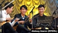 Концерттен көрініс. Алматы, 6 қазан 2016 жыл.