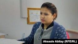 """""""Шапағат"""" қорының инватакси қызметімен айналысатын бөлімінің жетекшісі Севара Нұрымбетова. Тараз, 17 қыркүйек 2020 жыл."""
