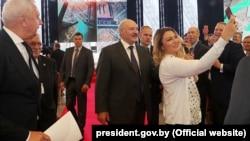 Аляксандар Лукашэнка на XIX кангрэсе расейскай прэсы