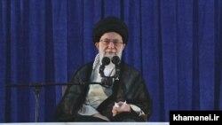 رهبر ایران مدعی شده که کشورهای اروپایی «توقع دارند» هم تحریمها باقی بماند و هم محدودیتهای هستهای.