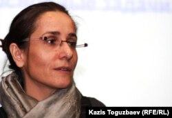 Старший советник по правовым вопросам Управления верховного комиссара ООН по вопросам беженцев в Алматы Эммануэль Митте. Алматы, 15 декабря 2011 года.