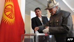 Many experts agree that the Kremlin's influence has long been felt in Kyrgyz elections. (file photo)