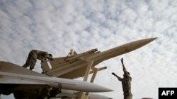 Иранские солдаты на маневрах, 13 ноября 2012