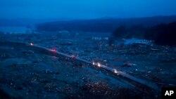 Пътят, преминаващ през заличено градче през 2011 г.
