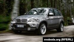 BMW X5 avtomobili ham o'g'rilar ko'ziga chiroyli ko'ringan mashinalardan biri hisoblanadi