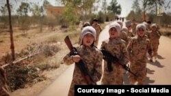 Дети предположительно казахских боевиков экстремистской группировки «Исламское государство». Иллюстративное фото.