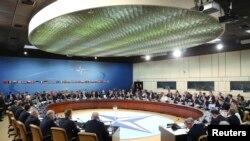 Заседание министров иностранных дел стран - членов НАТО в штаб-квартире организации в Брюсселе, 1 апреля 2014 года.