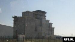 Чернобыльская катастрофа многих в мире заставила задуматься об опасностях АЭС.