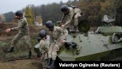 Навчання українських військових, ілюстративне фото