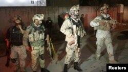 شماری از نیروهای امنیتی افغان در تصویری که سال گذشته گرفته شده است؛ هنوز از جزئیات حمله بامداد دوشنبه گزارش زیادی در درست نیست