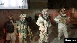 Військові на місці нападу у Кабулі, Афганістан, 11 грудня 2015 року