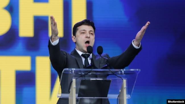 Володимир Зеленський під час дебатів на стадіоні «Олімпійський». Київ, 19 квітня 2019 року