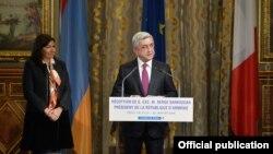Президент Армении Серж Саргсян выступает в мэрии Парижа, 22 января 2018 г.