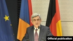 Armenia -- President Serzh Sarkisian speaks at the Konrad Adenauer Foundation in Berlin, 22June 2010.