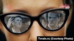 Ксения Собчак во время телеинтервью с Алексеем Навальным