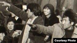 Желтоқсан оқиғасы кезінде алаңда тұрған жастар. Алматы, 1986 жылдық желтоқсаны.